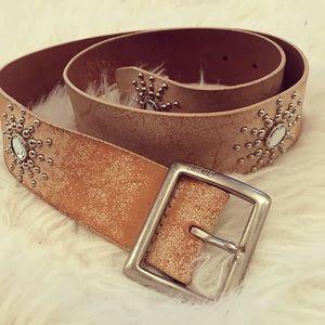 Stunning vintage Guess full-grain leather belt